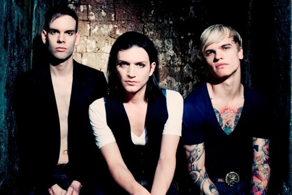 "Free Download ""Breathe Underwater"" Single Kedua Placebo Dari Album Battle For The Sun ""Redux Edition"""