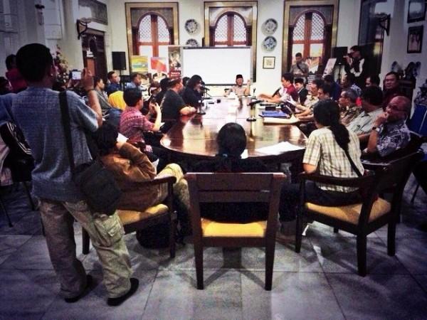 IMB PT EGI DICABUT! | Press Rilis Forum Warga Peduli Babakan Siliwangi (FWPBS) | Jumat, 28 Juni 2013